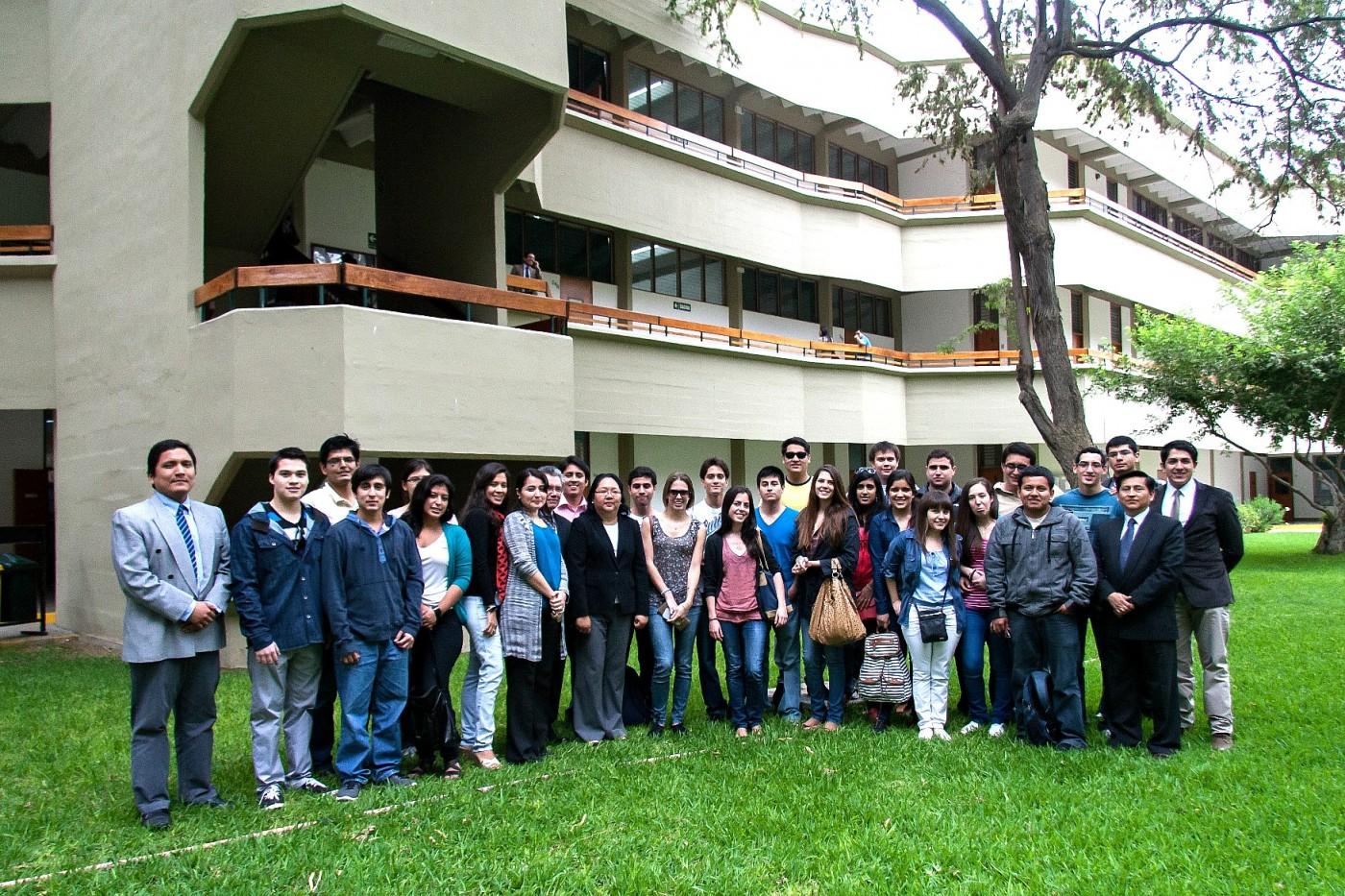 alumnos campus lima