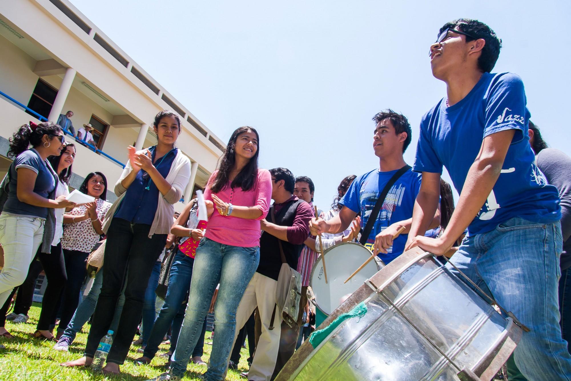 Balconzao_Humanidades_Educación-2