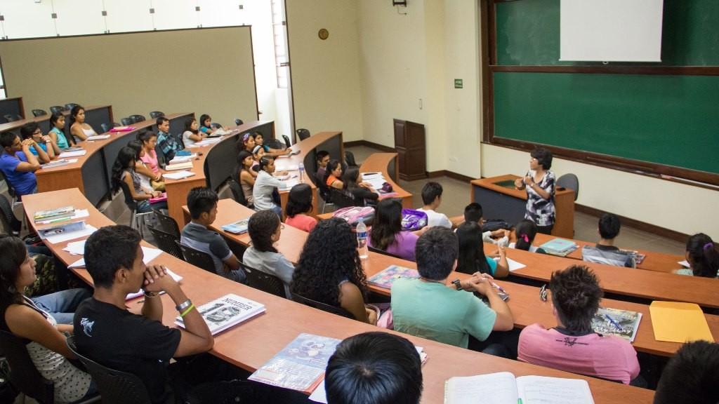 Los becarios tienen vocación docente y provienen de distintos puntos del país.