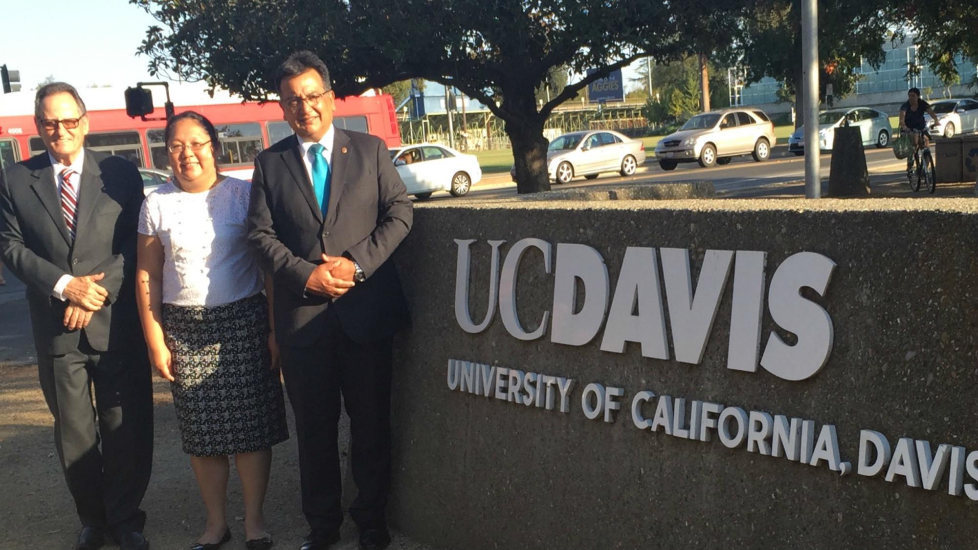 Visitan Uc Davis (1)