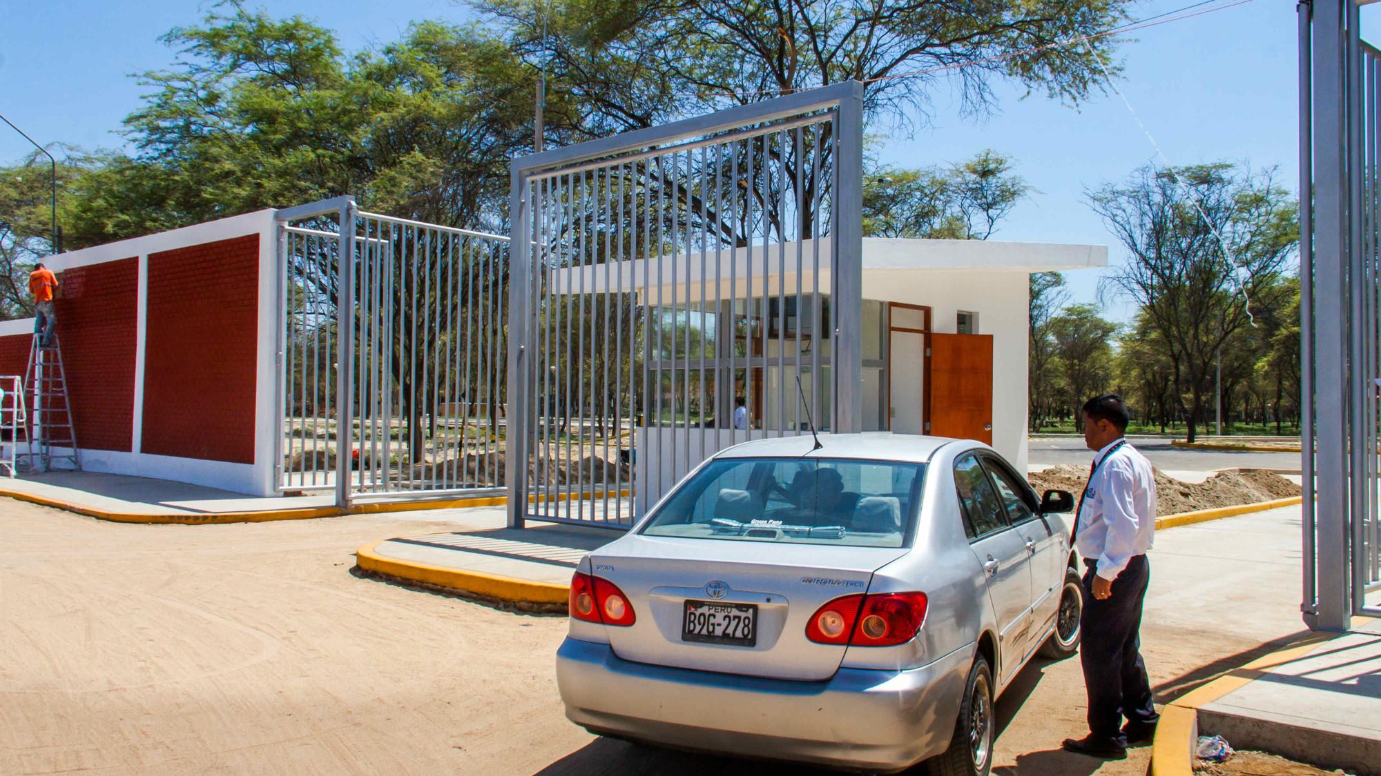 Puerta San Josemaria 5