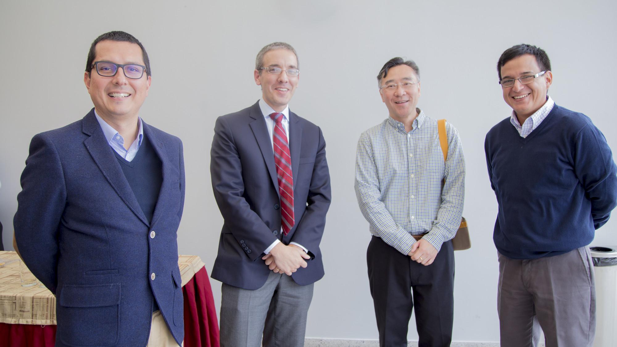 De izquierda a derecho: Miguel Ángel Carpio, César Calvo, Alberto Chong